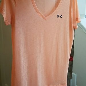 Under Armour top